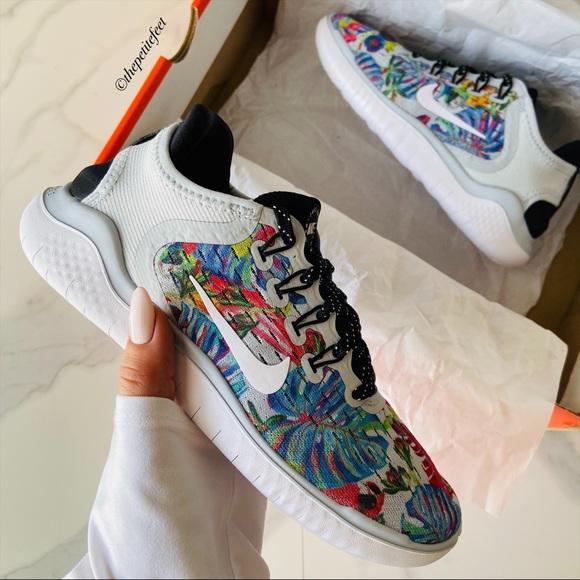 Nike Shoes   Nwt Nike Free Run Floral